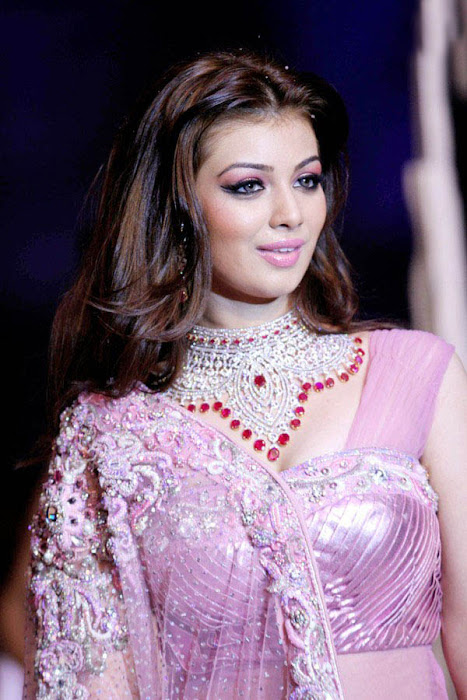 spicy ayesha takia at iijm rwalk glamour  images