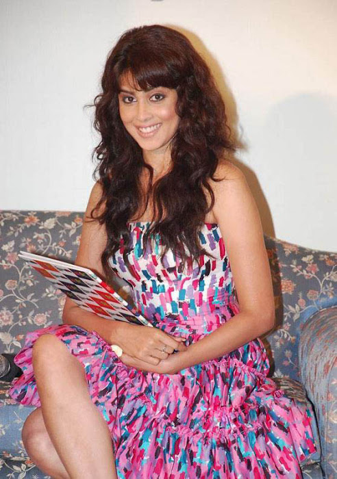 bubbly genelia at ebay promotion cute stills