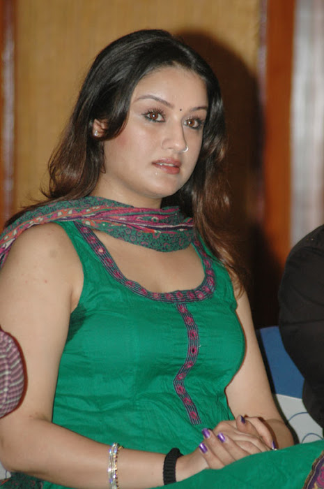 sonia agarwaal spicy looks cool in green chudidar actress pics