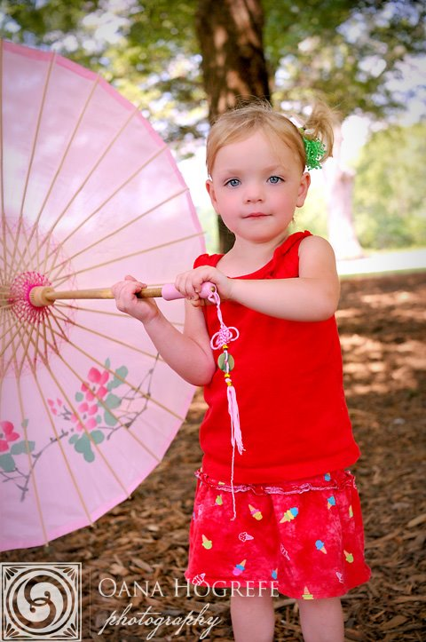 lifestyle ga baby portraits outdoors