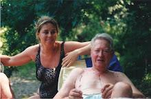 Met Papa op de dam even genieten van de koelte vanhet water