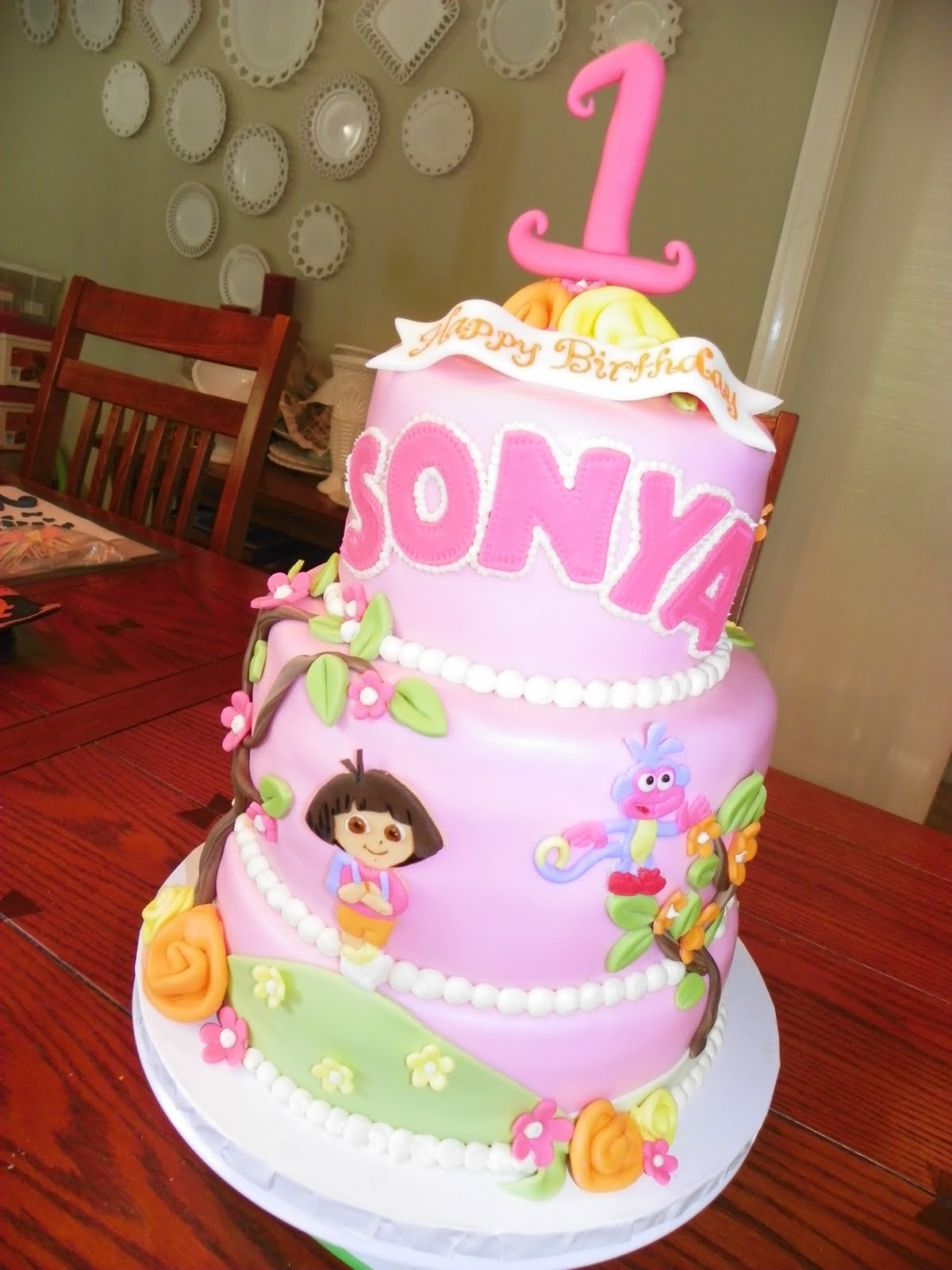 Cake Designs Dora The Explorer : Plumeria Cake Studio: Dora the Explorer Birthday Cake