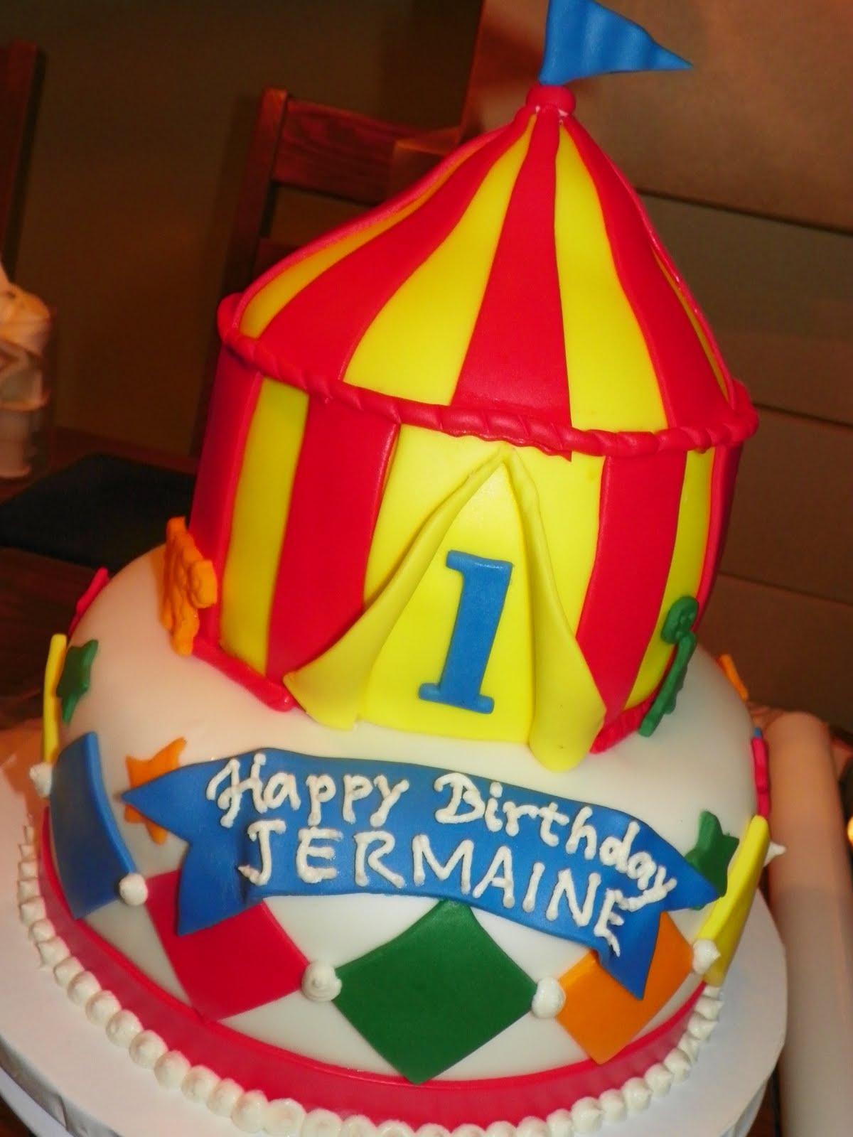 Circus Tent Birthday Cake u0026 Cupcakes & Plumeria Cake Studio: January 2011