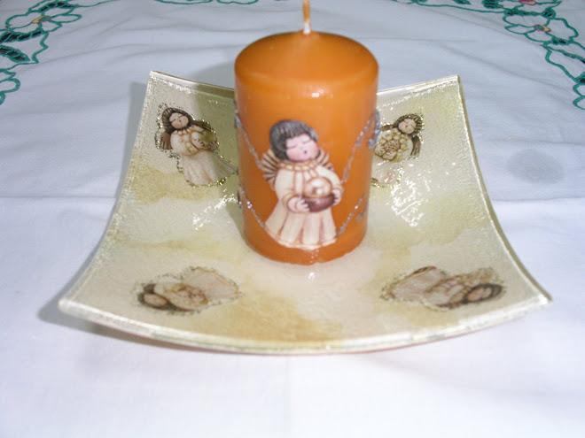 Portacandela in vetro con candela decorata €8.00