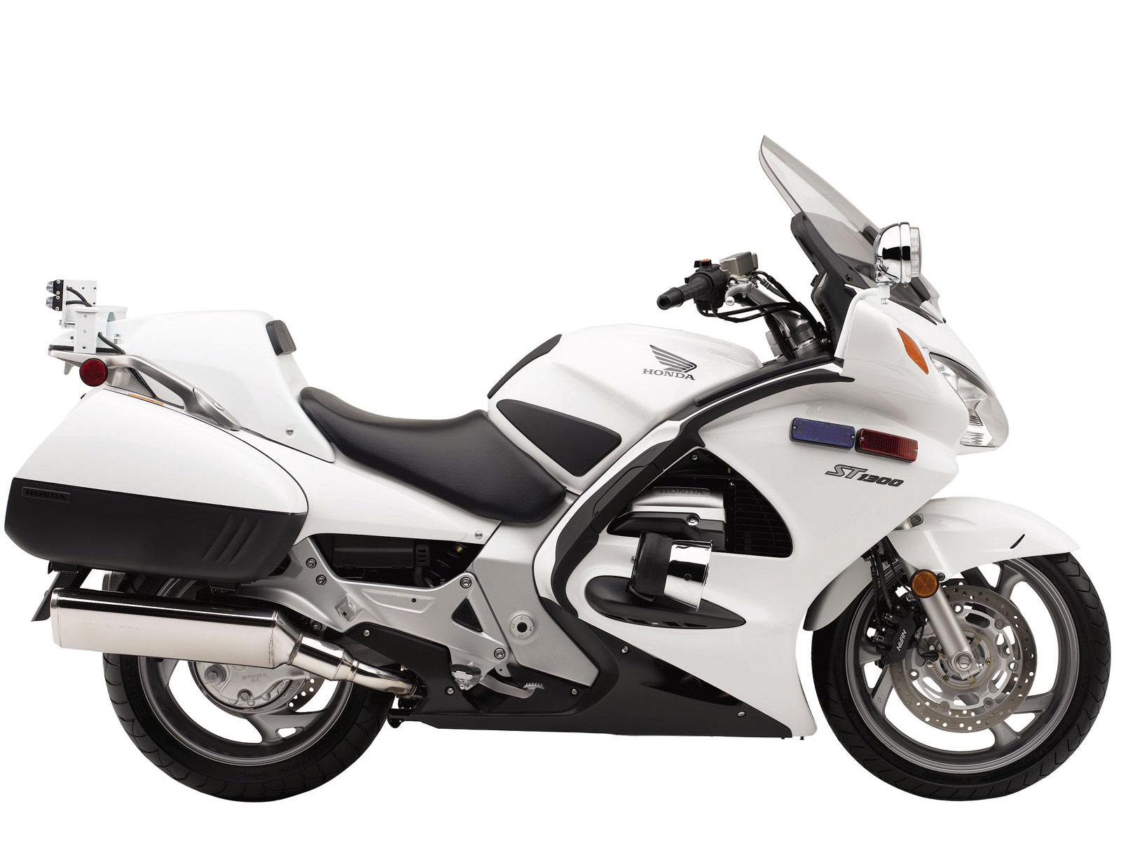 http://4.bp.blogspot.com/_ja0nvj5Jato/TKFCu_UZ4FI/AAAAAAAAINI/l0jyMv9Wca8/s1600/Honda_ST1300P_2011_motorcycle_pictures-2.jpg