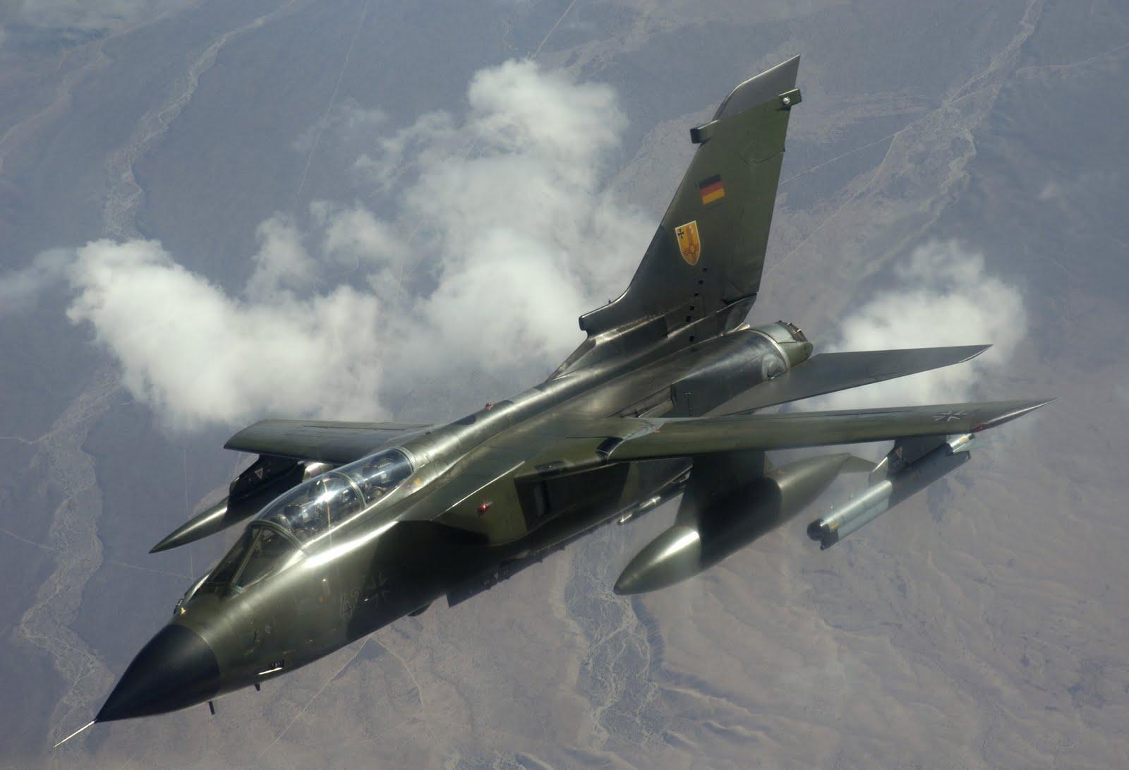 http://4.bp.blogspot.com/_ja676MG45Zg/SxTF4si71mI/AAAAAAAAAro/E5Y4teu38LQ/s1600/German_Panavia_Tornado.JPG