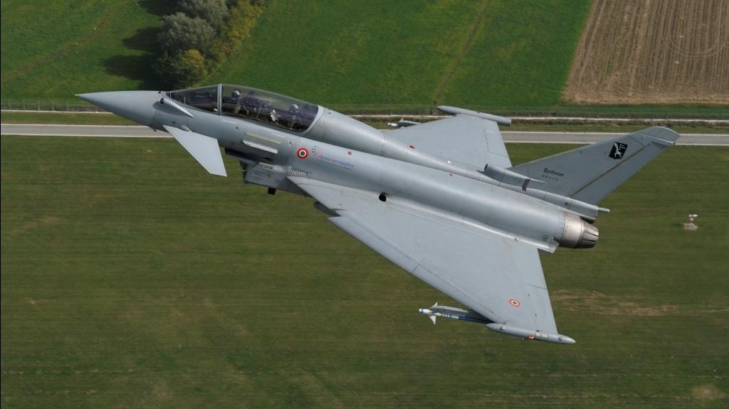 F22 Vs Typhoon