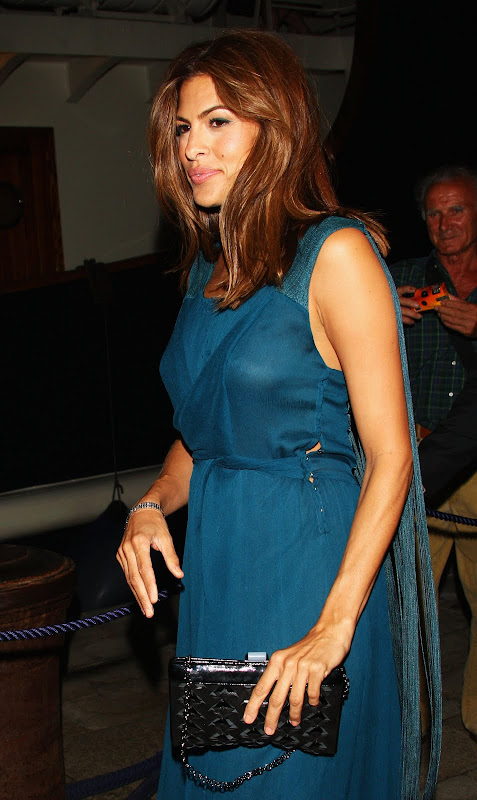 Eva Mendes – Braless See In Party