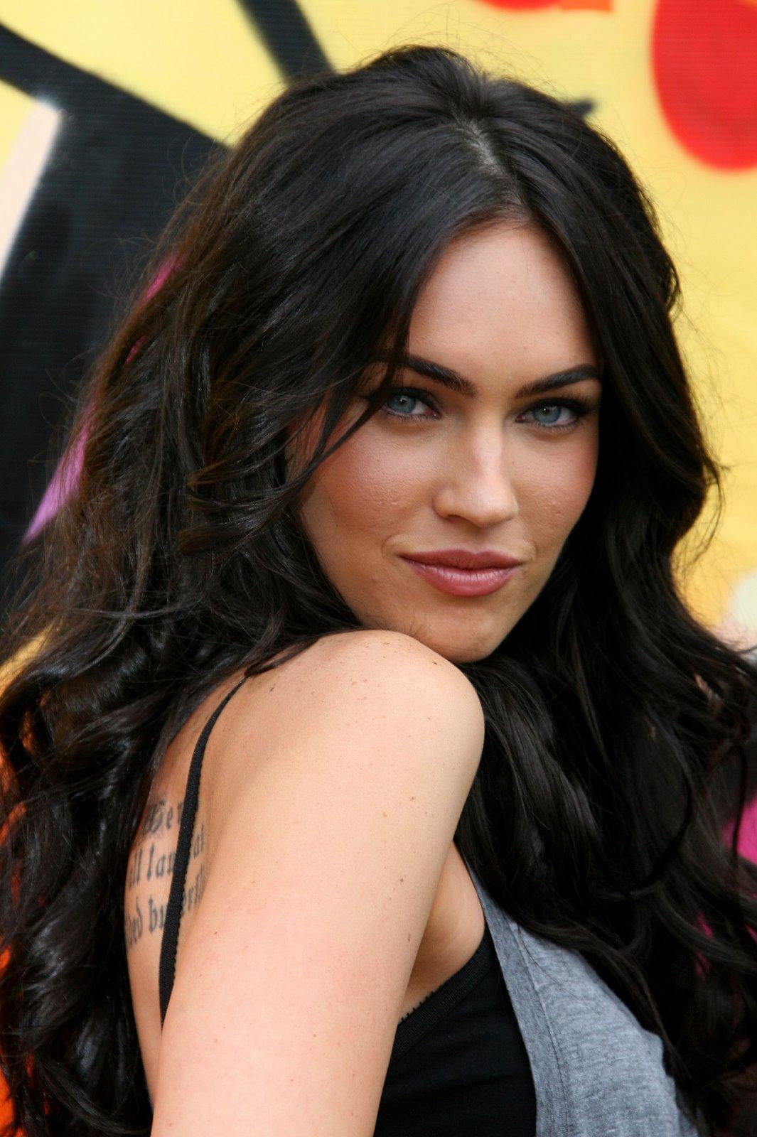 http://4.bp.blogspot.com/_jcLmI_ZzqII/TOhOPs1Io_I/AAAAAAAAAPE/hl24Q-8ZuUw/s1600/Megan+Fox+6.jpg