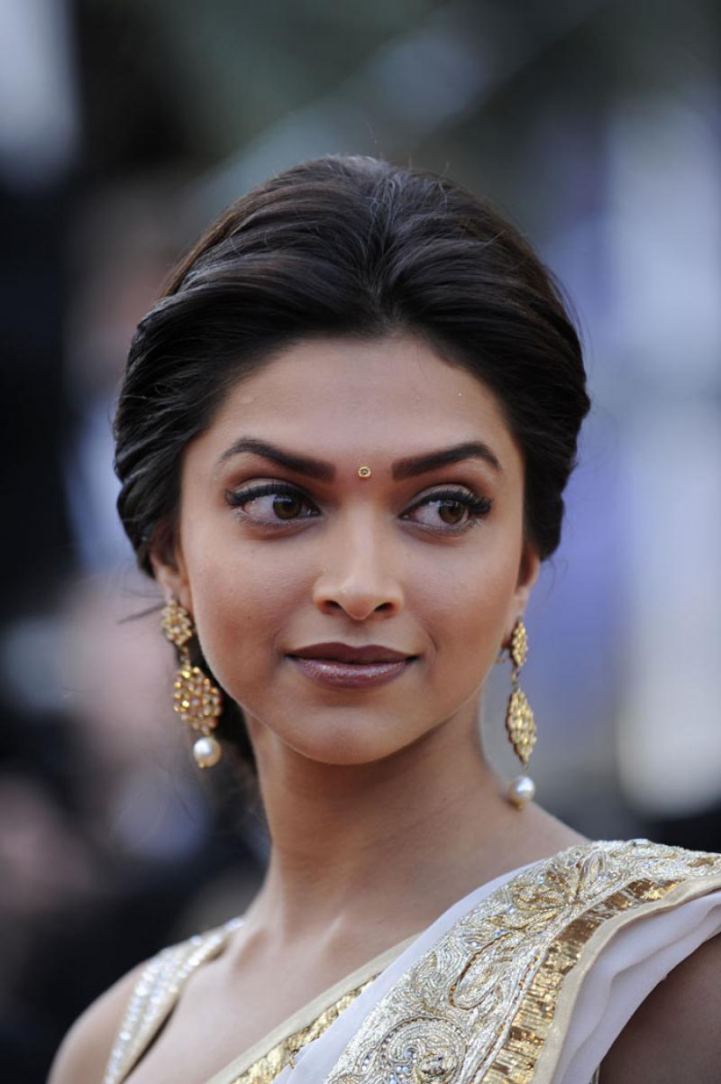 Deepika Padukone | HD Wallpapers (High Definition) | Free Background