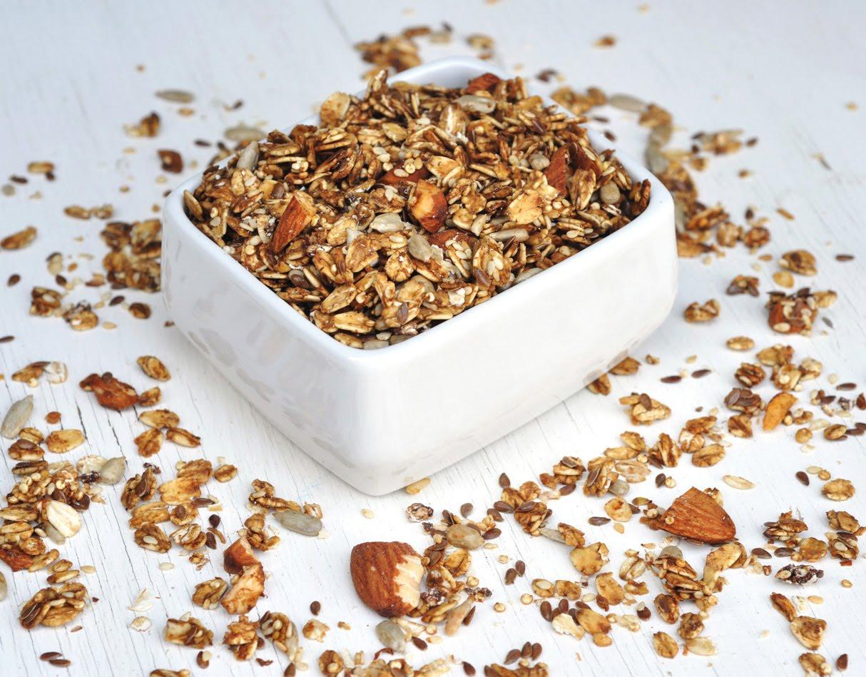 Anja's Food 4 Thought: Crunchy Quinoa Granola