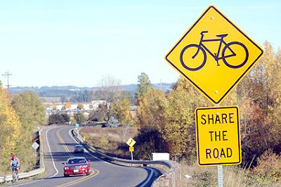 Image of a share the road sign in Oregon