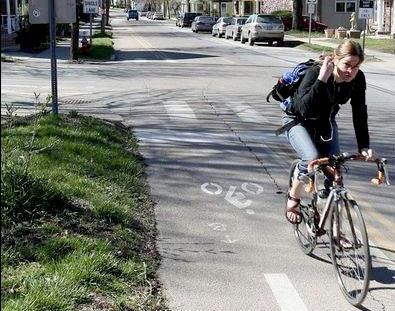 Image of bicyclist in Burlington, Vermont