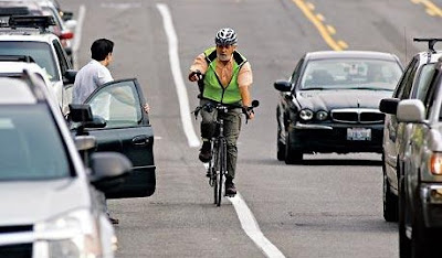Image of Seattle cyclist