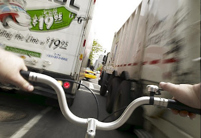 Image of bike lane in New York City