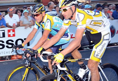 Image of bicycle racer George Hincapie with Lance Armstrong