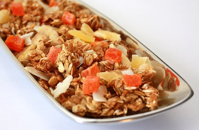 APPLE A DAY: Tropical Granola