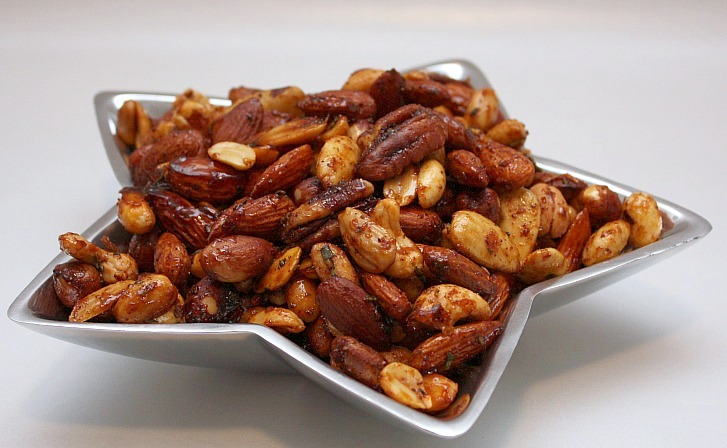APPLE A DAY: Chipotle and Rosemary Roasted Nuts