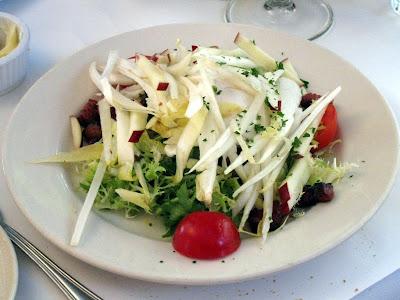 Salade de Frisée aux Lardons
