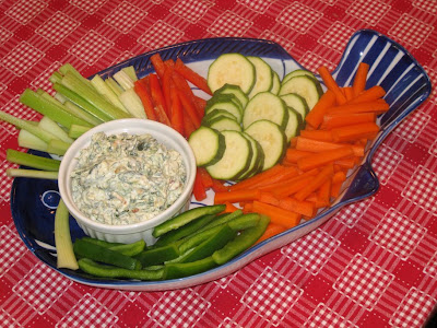 Crudités with spinach dip