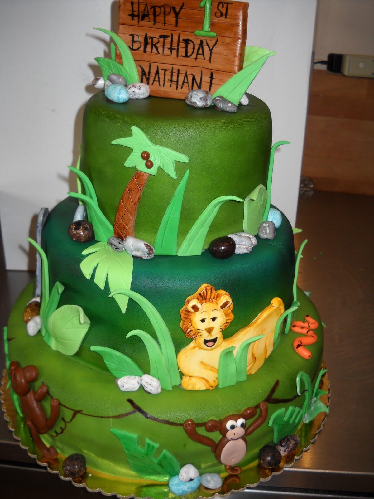 Jungle Cake Decorations : Tara s Piece of Cake: Safari Jungle Cake