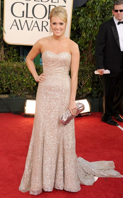 carrie underwood golden globes dress. Carrie Underwood
