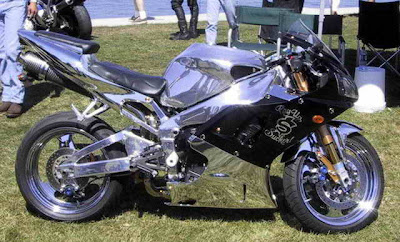 Full Chrome Yamaha R1