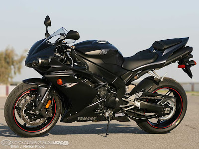 Blog Of Autorizm  Yamaha YZF R1 Motorcycle Black Custom Edition