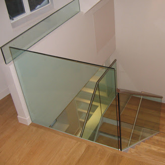 Glass Staircase Design For Minimalist Home Designs