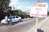 A public collection for a kidnap victim in Tecpan, Gro.