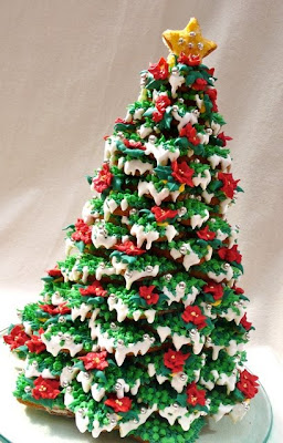 ok so im obsessed with making this gingerbread tree and what do i find at the store one day on sale a wilton gingerbread christmas tree cookie cutter - Gingerbread Christmas Tree
