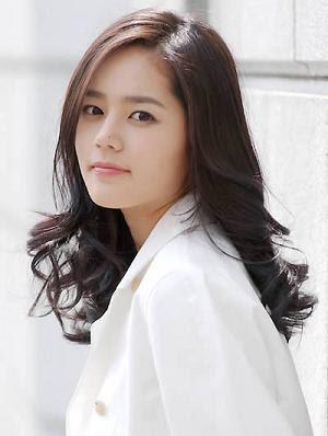 Han Ga In (nama asli : Kim Hyun Joo),