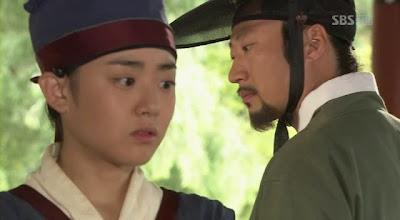 Kim Yoo Jung as little Shin Yoon Bok