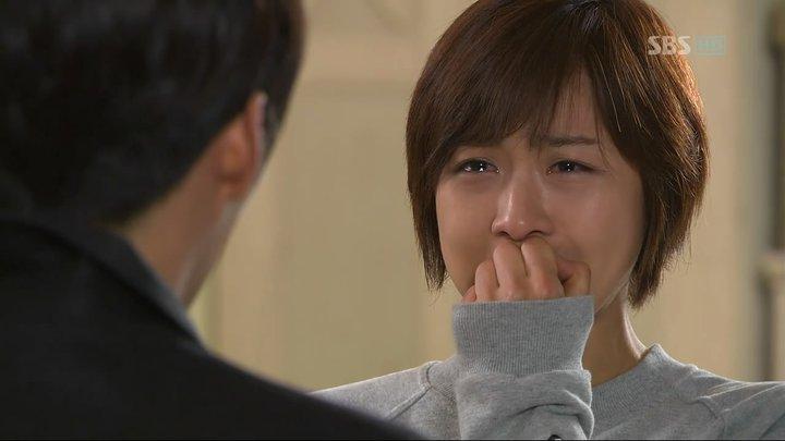 Joo won lari bagaikan gila melintasi padang saljuwowI just