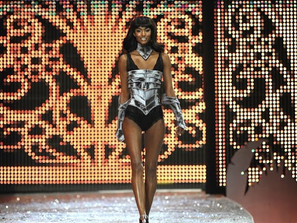 Victoria's Secret Fashion Show 2009 REPLAY & MUSIC