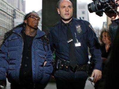 Outro capitão flagrado na cela de Lil Wayne
