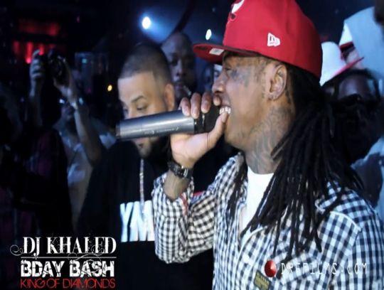 Lil Wayne se apresenta no aniversário do Dj Khaled
