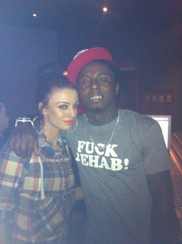 Foto da Cher Lloyd & Lil Wayne no estúdio