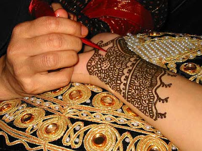 Especially, if you are working at your mehndi tattoo for drastic occasions