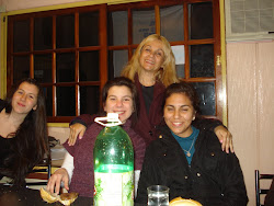 Celia, Steffy y Diana junto a Mónica