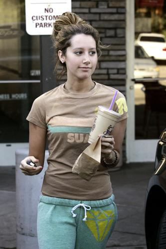 ashley tisdale hellcats hot. ASHLEY TISDALE HELLCATS HOT