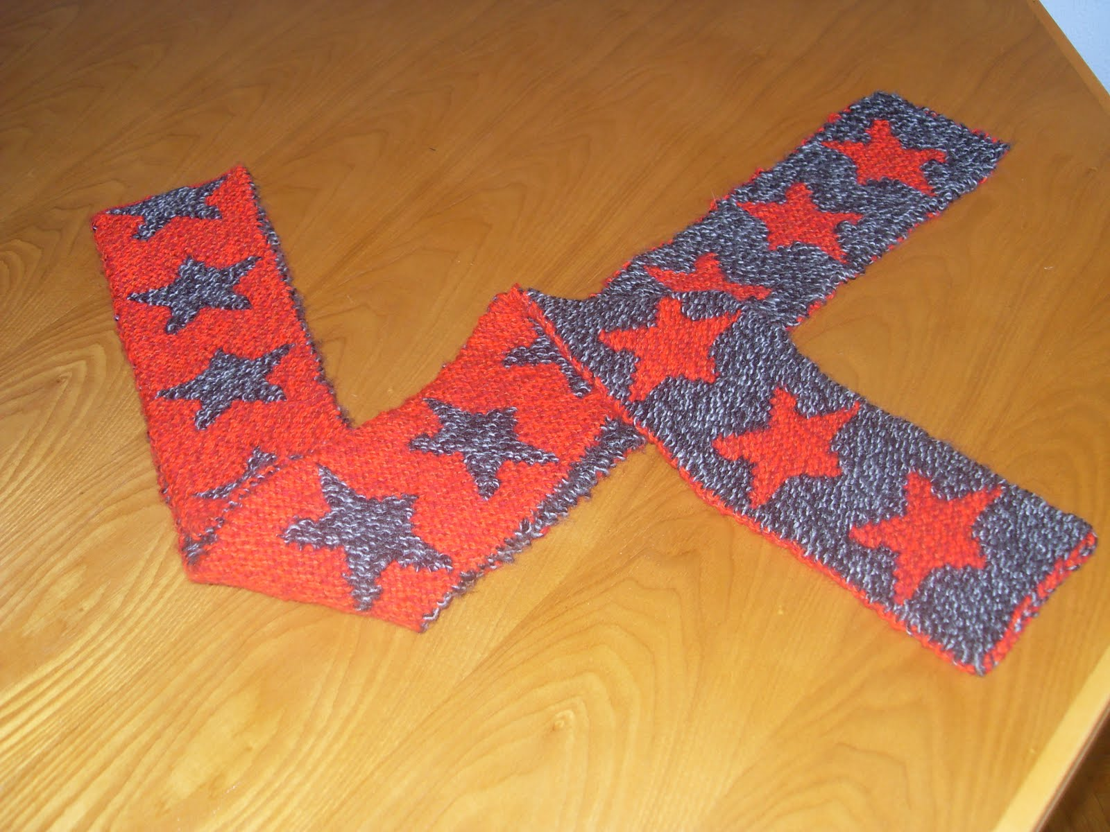 Fun Crafts For All: Double-knit Star Scarf