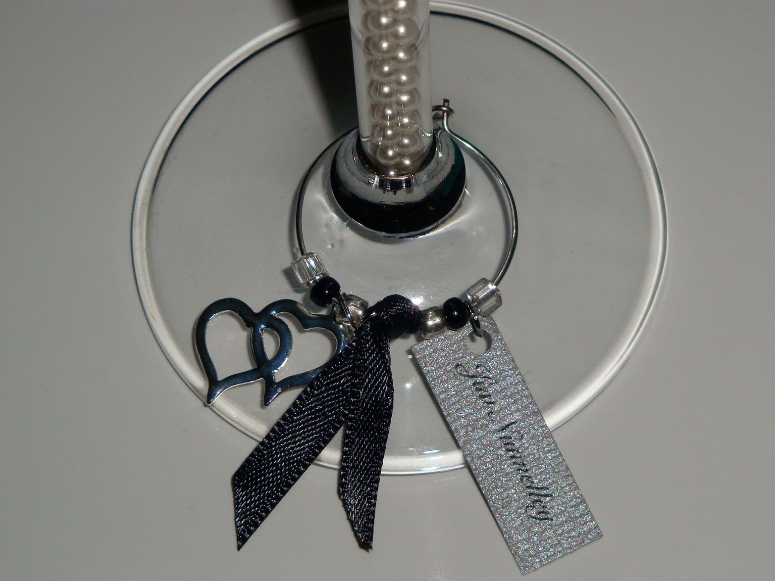 miss barrettes blogs d i y personalized wine charms check