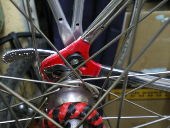 Blog bicicletas bikemania sujecion portabultos en vaina - Anclaje para bicicletas ...