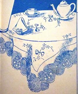 """Revista """"Desenhos e bordados"""", nº 92, Julho 1949, toalha de mesa:"""
