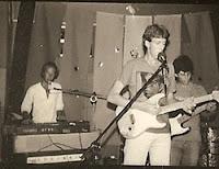 Acidente toca seu rock independente ao vivo, em 1983