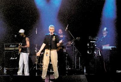 Acidente abre o Rio Art Rock Festival com show explosivo