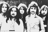 Uriah Heep em sua formação clássica: Ken Hensley, Mick Box, Gary Thain, David Byron e Lee Kerslake