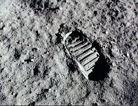 Um pequeno passo para o homem. Um salto gigantesco para a humanidade