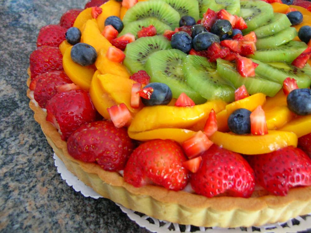 Cake Decorating Ideas with Fruit